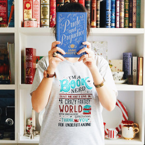 تی شرت کالکشن WearBookish طرح Booknerd